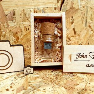 drevene-usb-svadobne-s-krabickou-a-flastickou-personalizovane