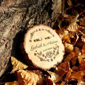 dreveny svadobny podnos pod obrucky