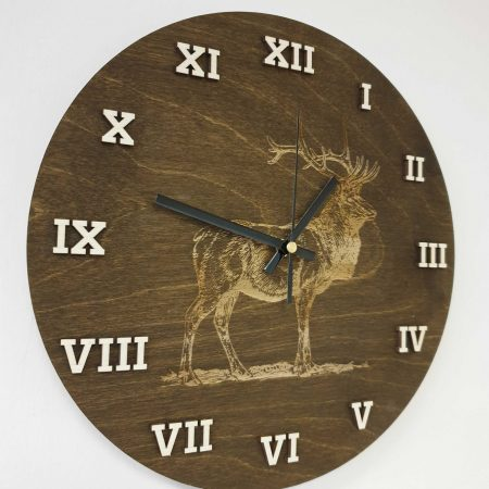 drevene-nastenne-hodiny-polovnicky-vzor-jelen
