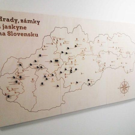 drevena mapa hradov zamko a jaskyn na slovensku velka