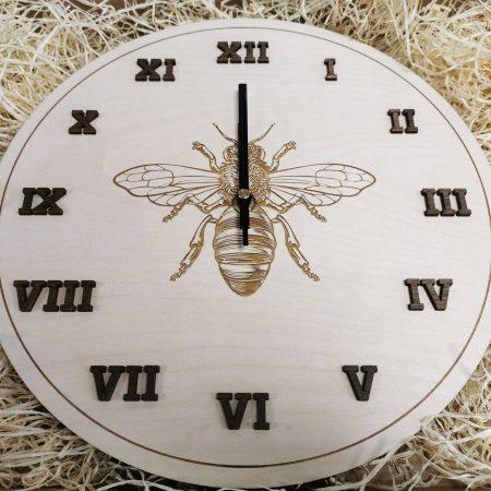 drevene nastenne hodiny darcek pre vcelara balenie