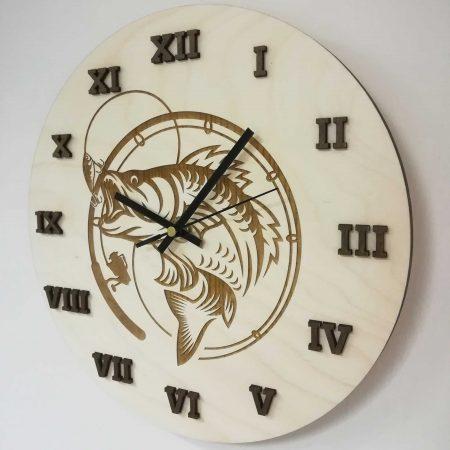 drevene-nastenne-hodiny-ryba-hacik-darcek-pre-rybara-1